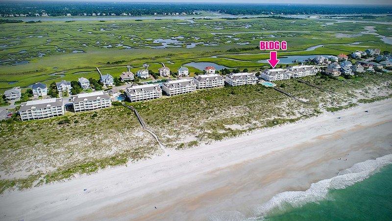 Wrightsville Dunes:  Oceanfront Condo, 2 Pools, Tennis Court!!!, casa vacanza a Ogden