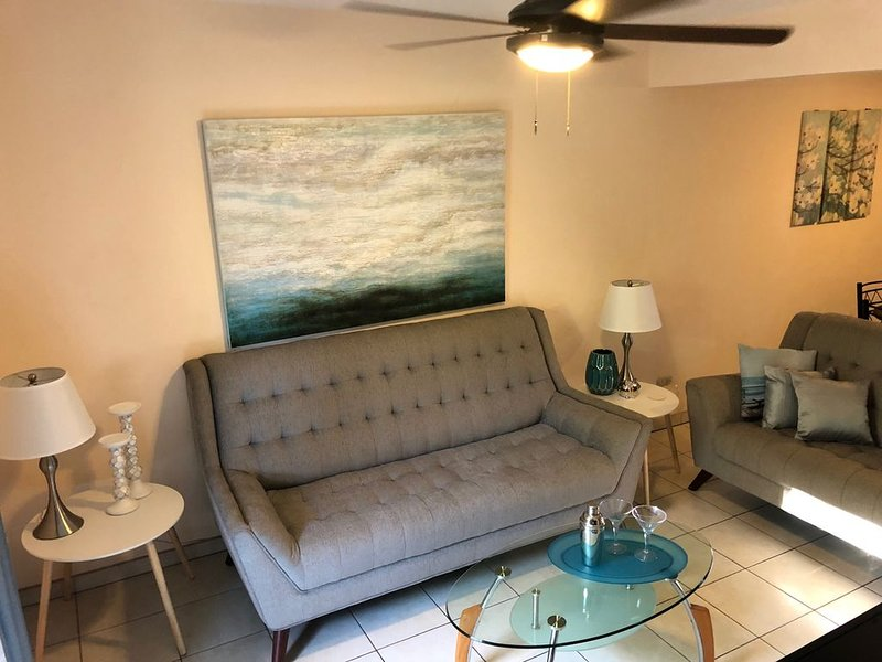 Beautiful Two Bedroom Condo!, holiday rental in Playas del Coco