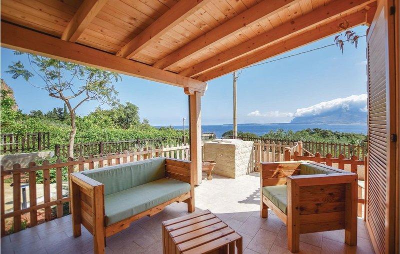 2 bedroom accommodation in Custonaci TP, location de vacances à Custonaci