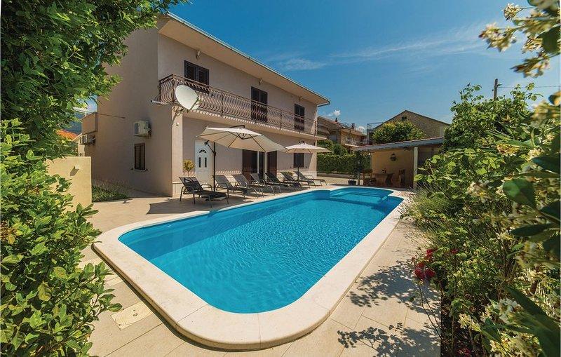 6 bedroom accommodation in Kastel Stafilic, vacation rental in Kastel Stafilic