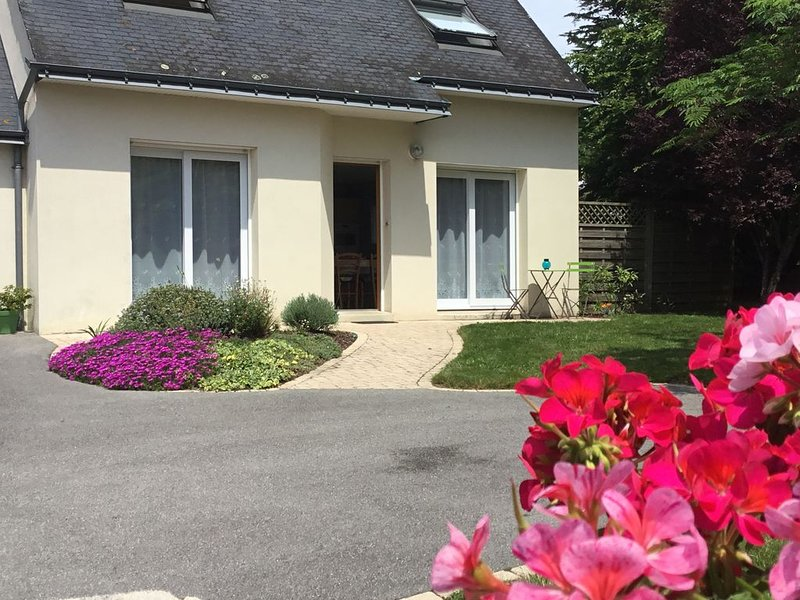 Maison pour 5 personnes dans lotissement privé calme à 5 mns de la plage à pied, casa vacanza a Sarzeau