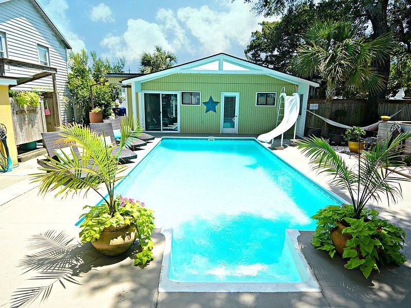 Beautiful, Private And Quiet Yet Right In The Middle Of All The Action!, Ferienwohnung in Carolina Beach