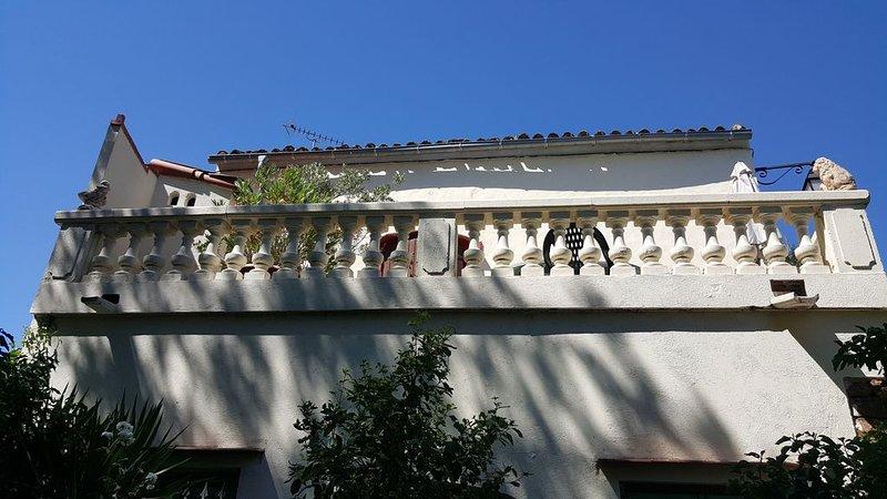 Maison indépendante dans un hameau à la campagne -  2 terrasses - Salagou, holiday rental in Le Puech