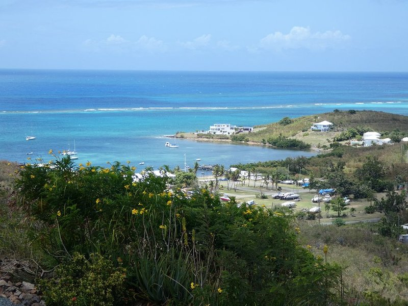 Ocean View And Breezes, Quiet 1 Bedroom, 1 Bath Private Space On 1 Acre, holiday rental in St. Croix