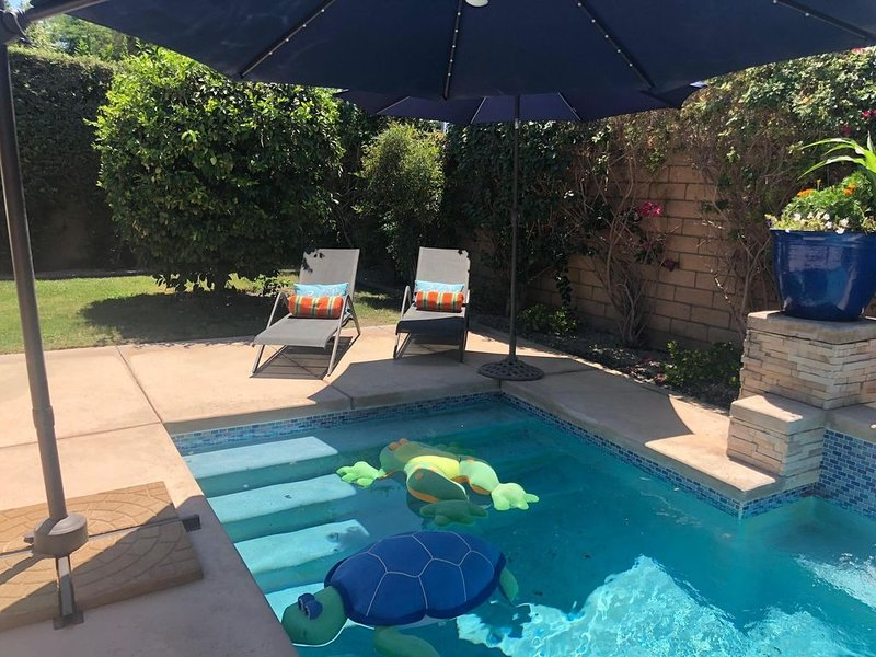 Amazing Hacienda Style Pool Home with fantastic relaxing backyard, casa vacanza a Mecca