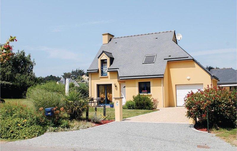 3 bedroom accommodation in Planguenoual, location de vacances à Morieux