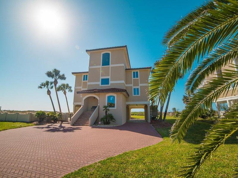 Spectacular 5BR/5.5BA Beachfront Luxury, Sleeps 16, Elevator, Pool, location de vacances à Eastpoint