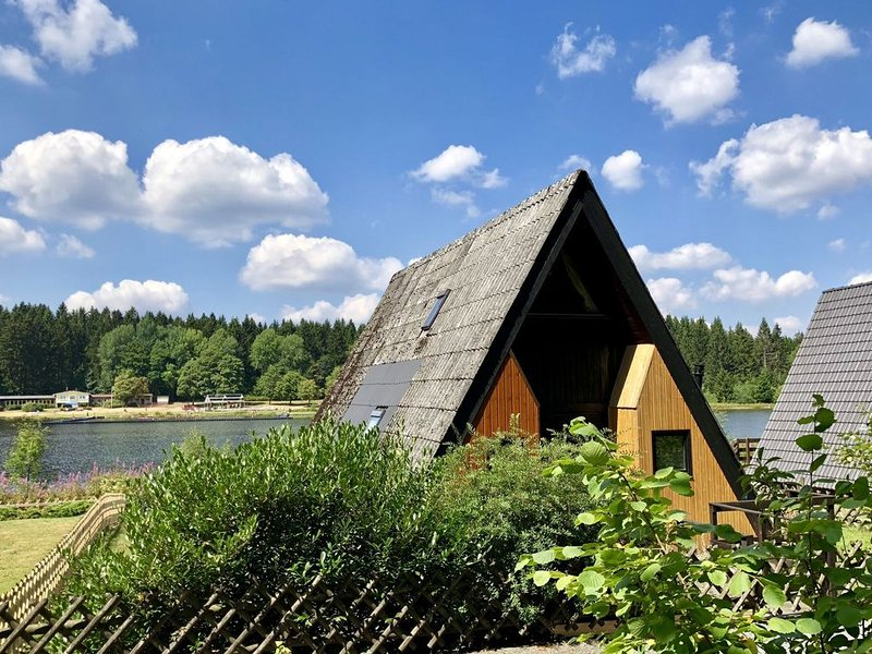 A quiet holiday park around a lake and surrounded by woods., vacation rental in Clausthal-Zellerfeld