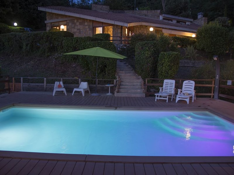 Villa at Lake Nemi just outside Rome, Italy, with brand new pool and ocean view., holiday rental in Giulianello