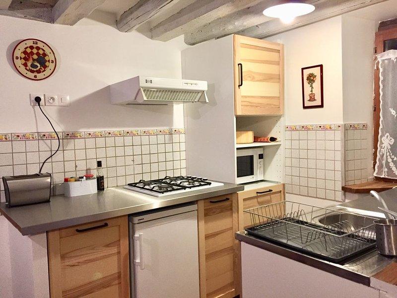 Maison ancienne dans un joli village proche de la forêt des Trois Pignons., vacation rental in Seine-et-Marne