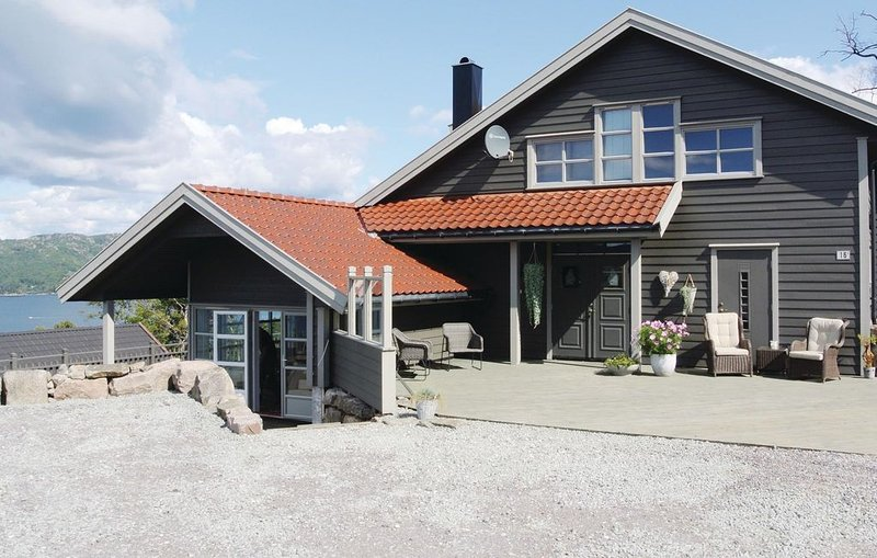 5 bedroom accommodation in Lindesnes, location de vacances à Municipalité de Lindesnes