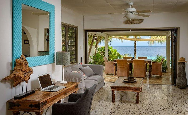 Pelican Reef living room