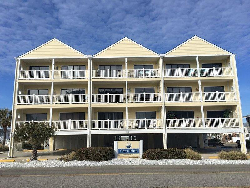 �Renovated 2 Bed 2 Bath Condo , Beach, Pool, 2nd Row W/ Views Of Ocean �, vacation rental in North Myrtle Beach