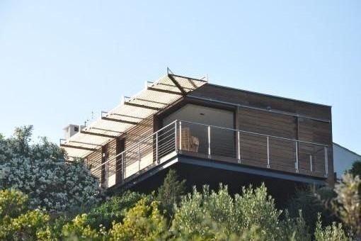 Villa 1ere ligne avec piscine surplombant la mediterranee, holiday rental in Coti-Chiavari