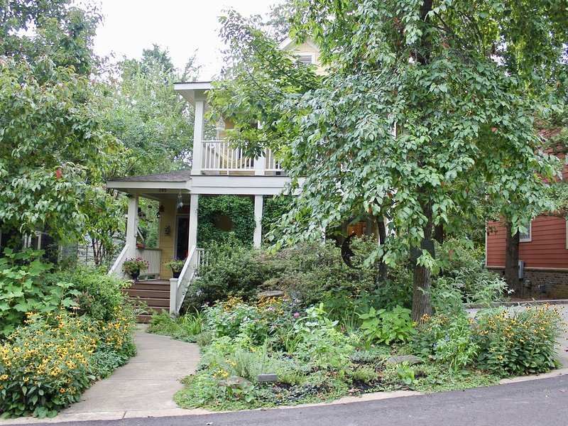 PERFECT WEEKEND RETREAT! 4 miles from Ole Miss!, vacation rental in Oxford
