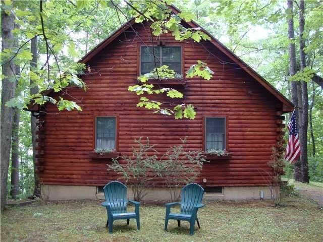 Lakeside Log Cabin in the Heart of the Finger Lakes, alquiler de vacaciones en Penn Yan