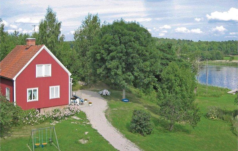 2 bedroom accommodation in Eskilstuna – semesterbostad i Strängnäs
