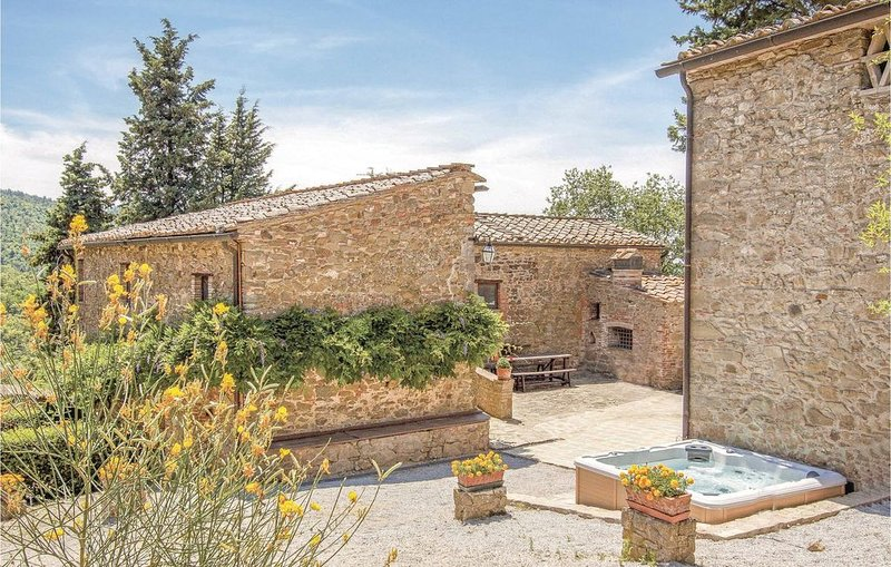 8 bedroom accommodation in Gaiole in Chianti SI, vacation rental in Barbischio