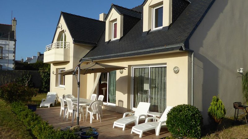 Maison recente 160 M² Baie d audierne a100m de la plage ., holiday rental in Finistere