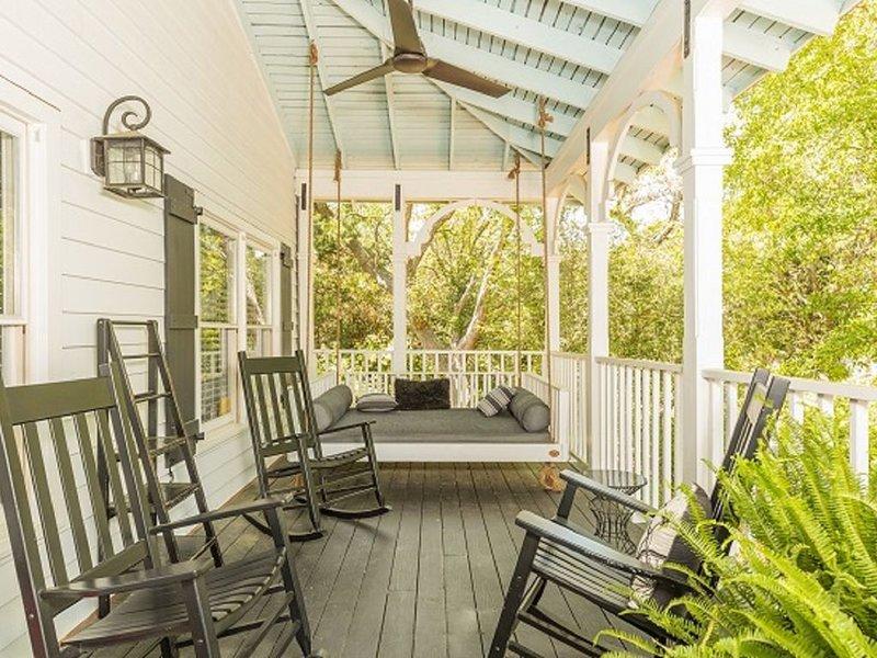 Coastal & Cozy Family Vacation Rental, vacation rental in Isle of Palms