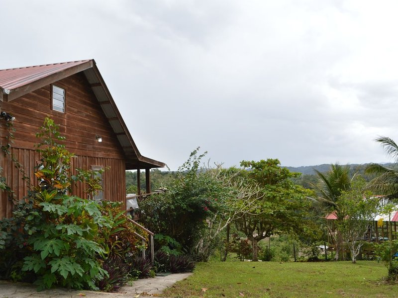 Adventure or tranquility, private 1/2 acre, amazing views, 5 min to downtown, holiday rental in Cayo