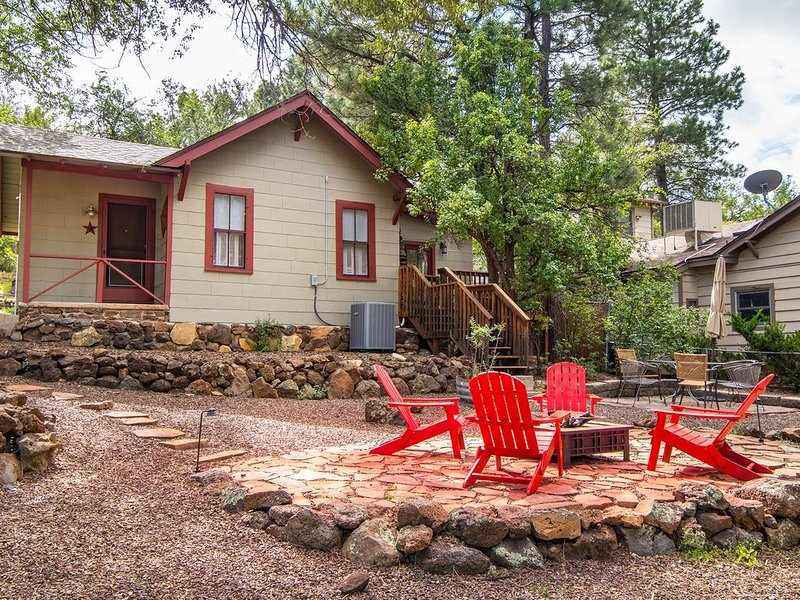 Classic Historic Dowtown Home Walk To Restaurants, NAU, vacation rental in Flagstaff
