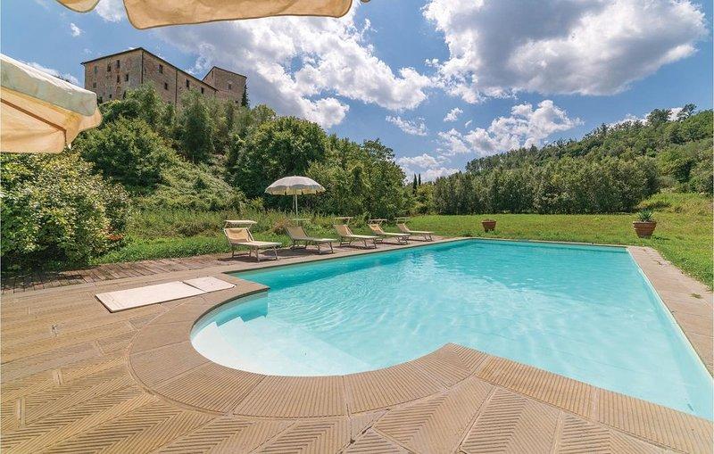 2 bedroom accommodation in Stigliano-Rosia SI, Ferienwohnung in Sovicille