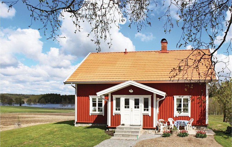 2 bedroom accommodation in Dals Ed – semesterbostad i Grebbestad