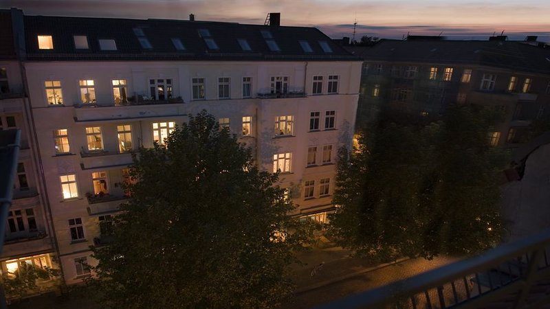 Charming, very private apartment in Prenzlauer Berg, vacation rental in Berlin