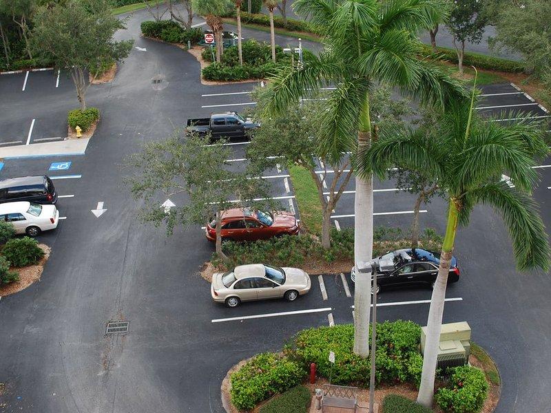 always plenty of free parking
