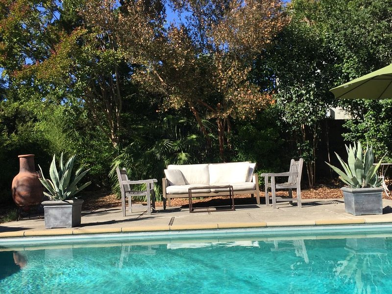 Poolside seating by Smith & Hawken, Palacek