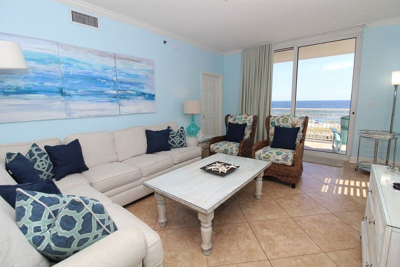 Chic 3BR 3BA Updated Palacio End Unit + Beach Service Included Mar-Oct 2017!, holiday rental in Perdido Key