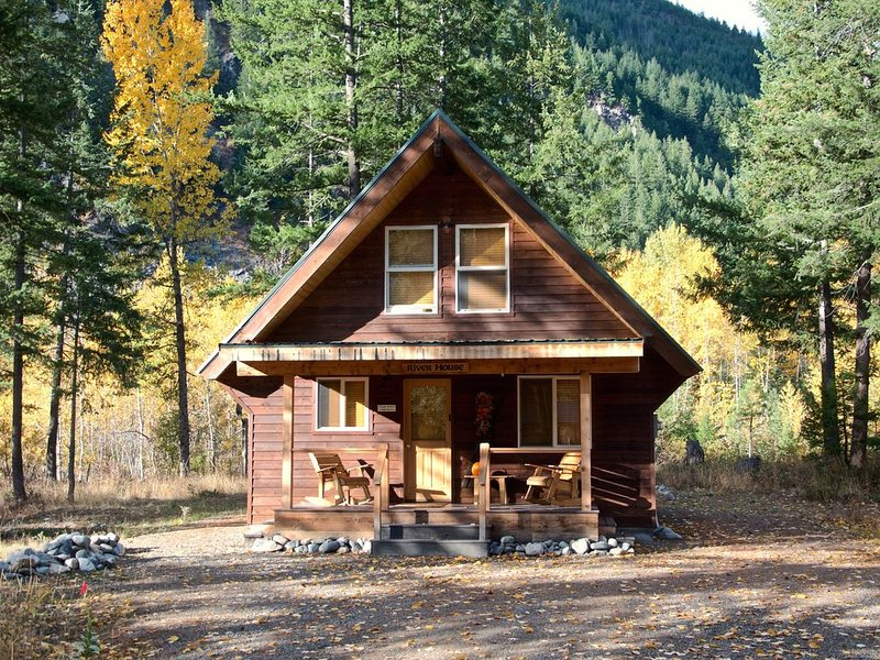 The River House in Mazama, holiday rental in Mazama