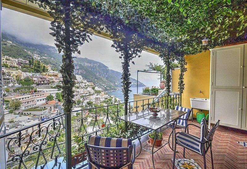 Casa Valina, rimborso completo con voucher*: Una luminosa e allegra casa indipen, Ferienwohnung in Positano