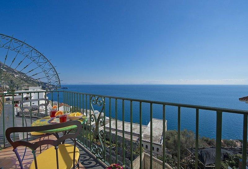 Casa Aurelia: Un gradevole ed accogliente appartamento rivolto al sole e al mare, vacation rental in Praiano