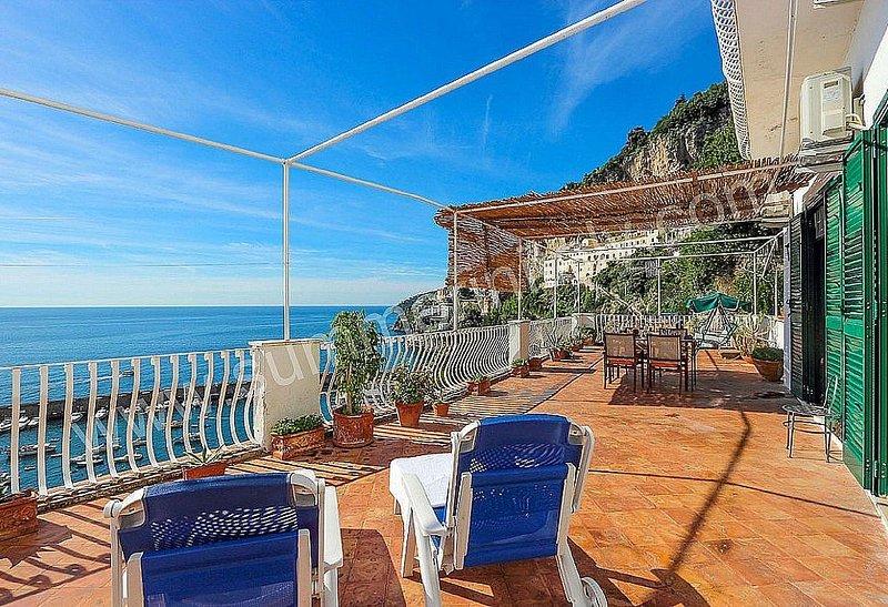 Casa Lazira: Un gradevole e spazioso appartamento rivolto al sole e al mare., alquiler de vacaciones en Amalfi