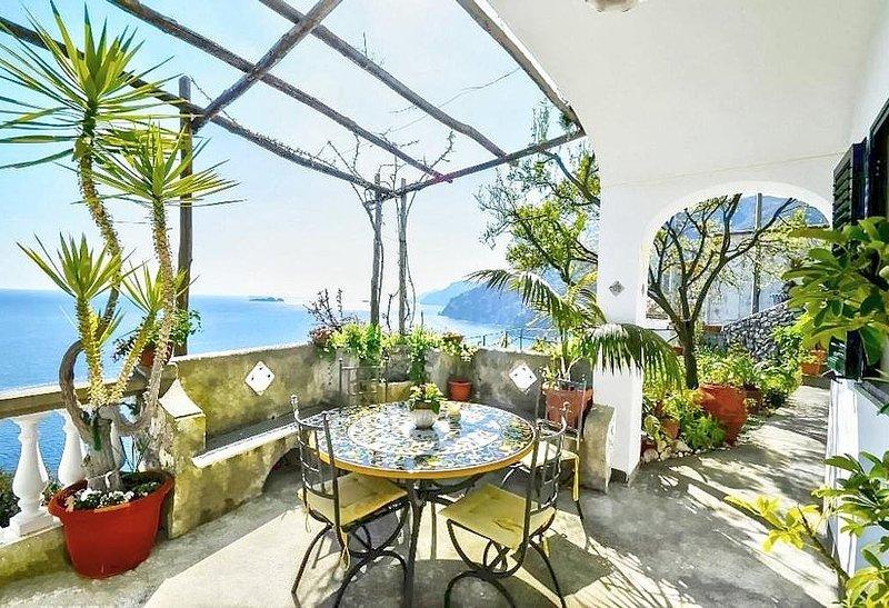 Casa Odetta, rimborso completo con voucher*: Un luminoso appartamento rivolto al, Ferienwohnung in Positano