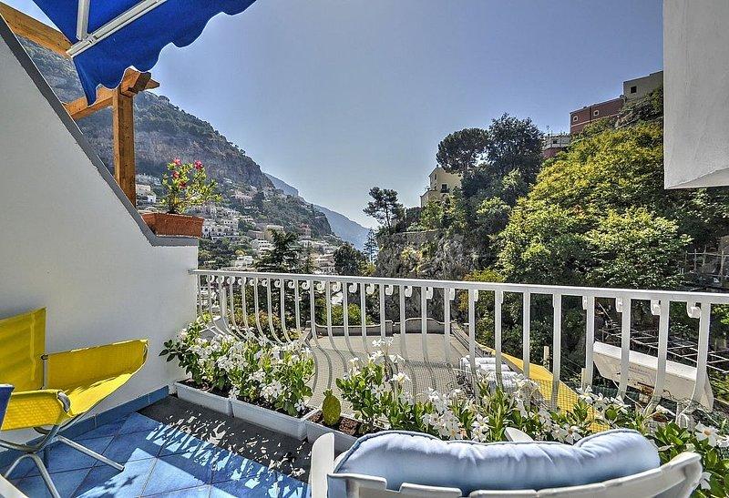 Casa Ginepro, rimborso completo con voucher*: Una gradevole ed accogliente casa, vacation rental in Positano