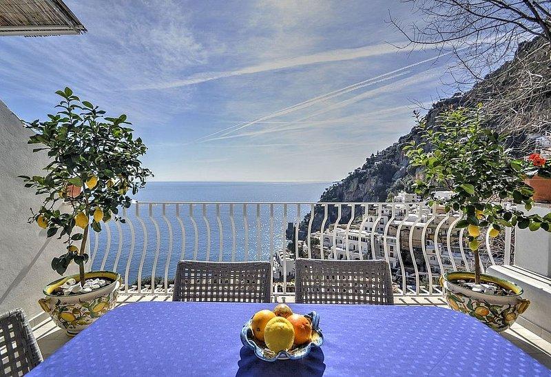 Villa Giancarlo, rimborso completo con voucher*: Una elegante ed accogliente cas, Ferienwohnung in Positano