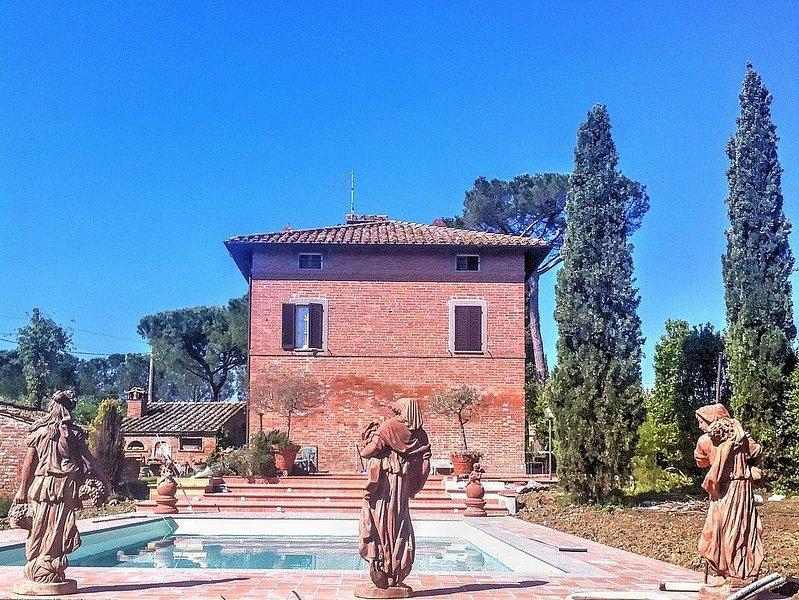 Villa Eloisa, rimborso completo con voucher*: Una villa storica su tre piani cir, location de vacances à Castiglione del Lago