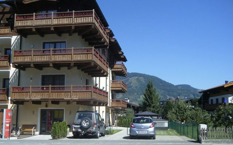 Apartment in centre of Kaprun 200 metres from  K-onnection lift to Kitzteinhorn, holiday rental in Kaprun