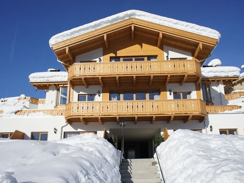 Luxurious apartment in sunny Maria Alm with great views, location de vacances à Maria Alm