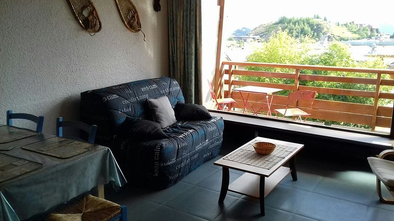 APPARTEMENT ALPE D'HUEZ AVENUE DU RIF NEL, vacation rental in La Garde