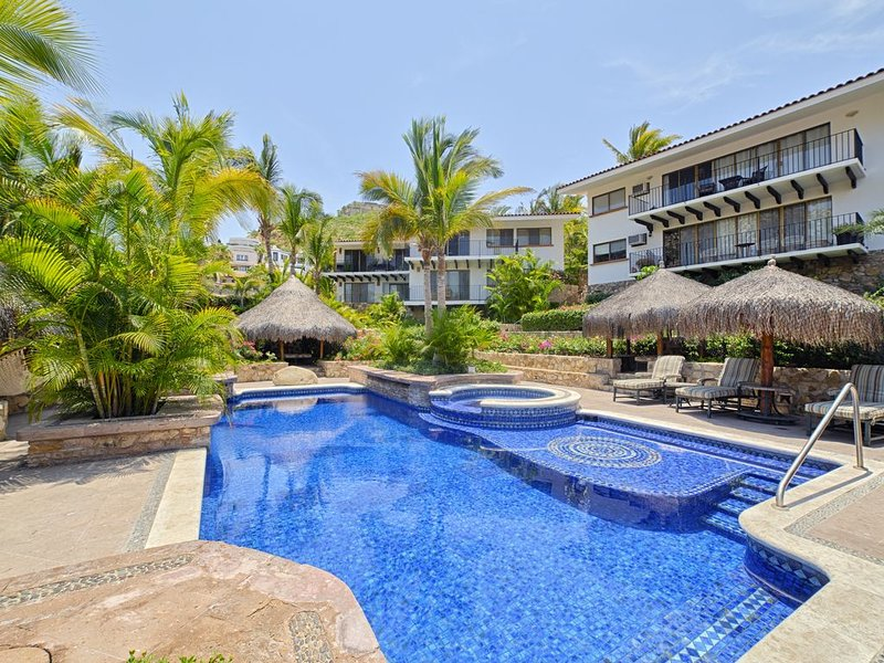 Pedregal Beauty - A Walk to Downtown Cabo, holiday rental in Los Cabos
