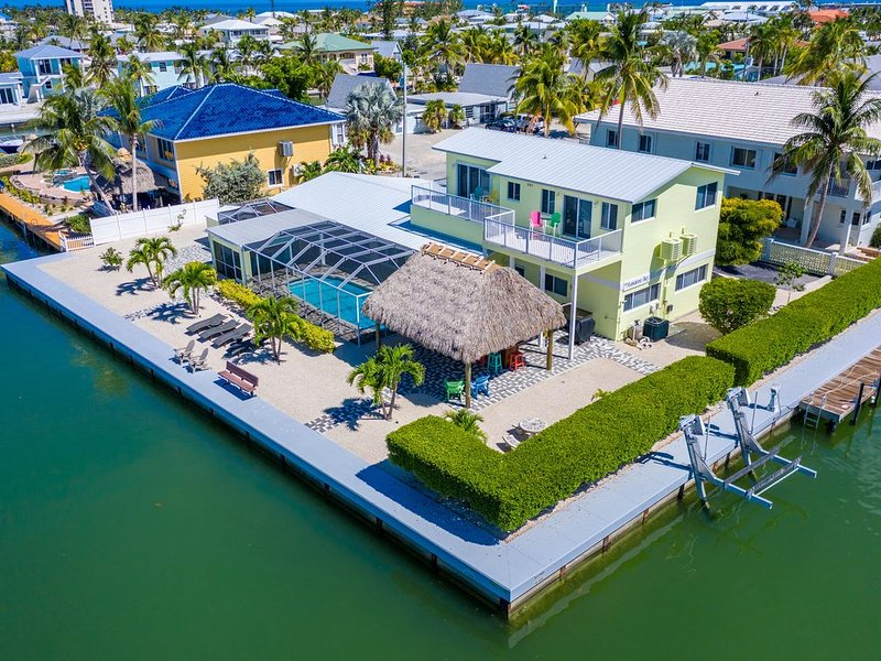 Call for Rates! Spring Special - $4,600 wk. Waterfront, pool & dock, holiday rental in Key Colony Beach