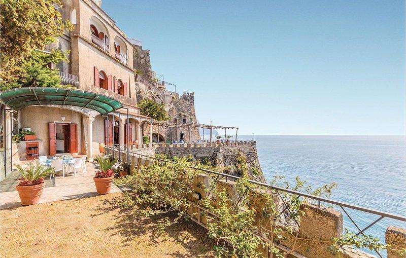 2 bedroom accommodation in Ravello SA, aluguéis de temporada em Minori