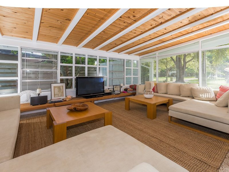 Midcentury Modern 3 BR - Pool in Sarasota, Close to Beaches!, vacation rental in Sarasota