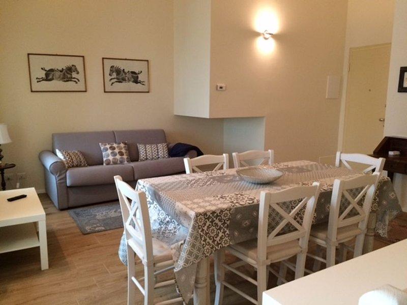 Bel appartement centre Stresa, Wi-Fi, climatisé, à quelques pas du lac,ascenseur, holiday rental in Stresa
