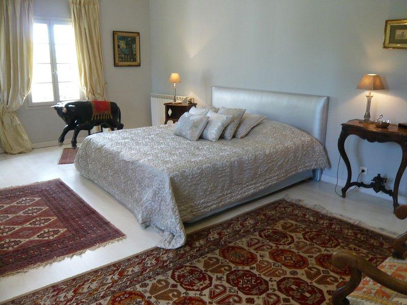 bedroom suite of 1 floor