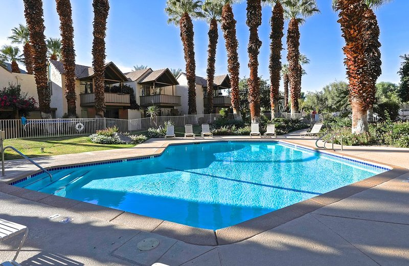 Charming Studio - Breathtaking Mountain Views In Indian Wells, holiday rental in Indian Wells